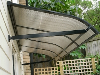 Polycarbonate_Awnings-Carbolite-window_awnings-door_awnings-_sydney-warriewood