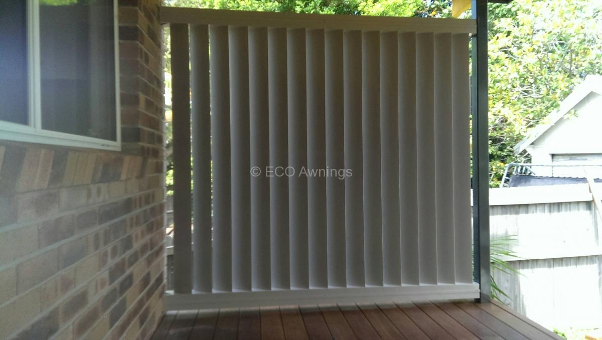 Privacy screen louvres eco awnings for Vertical garden privacy screen