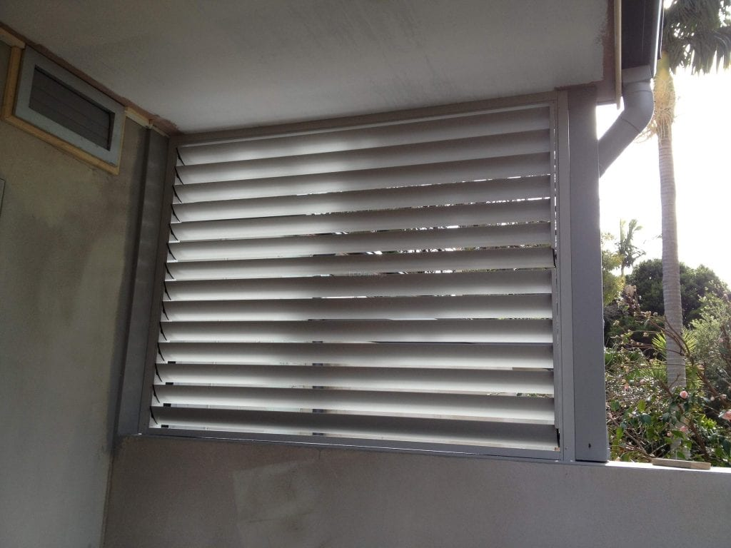 Adjustable Privacy Screen Louvers In A Fixed Frame Sample