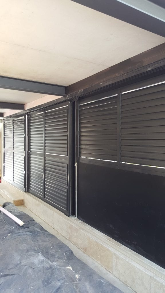 Sliding Adjustable Privacy Screen Louvers With Sliding