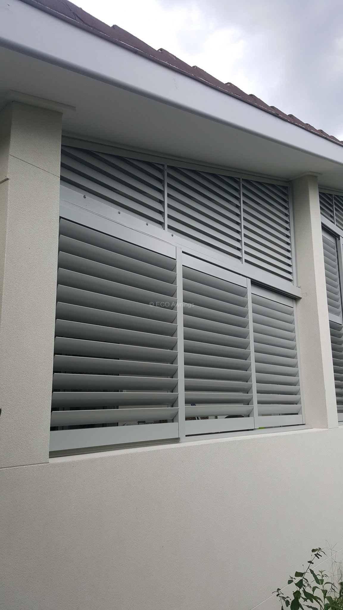 Louver Screen Wall : Custom made privacy louver system eco awnings