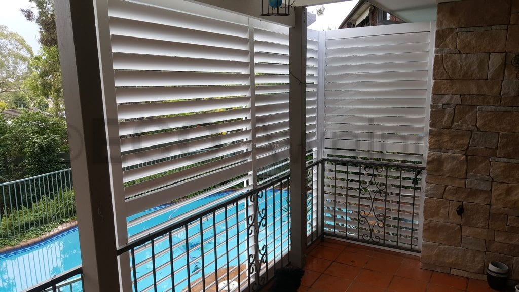 Adjustable Privacy Screen Louvers In A Fixed Frame Eco