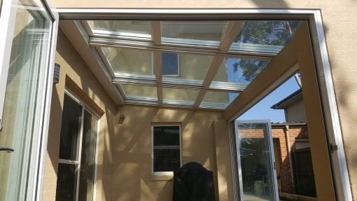 Retrata Roof with retractable Glass Panels
