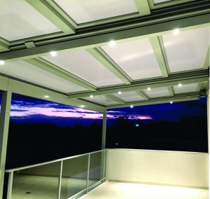 retracta roof at nite