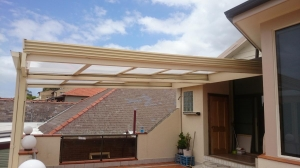 Retracta Roof_ 2 Bays with 5 Panels _polycarb Roof 1
